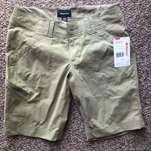 Women's NWT Marmot cargo shorts Size 4